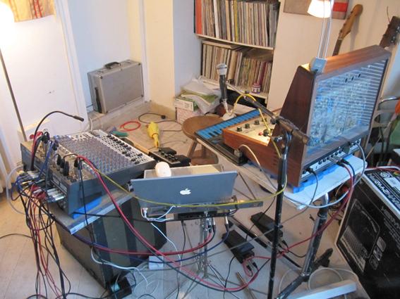 Jean-Marc Foussatin instrumentteja. Kuva: http://jm.foussat.free.fr